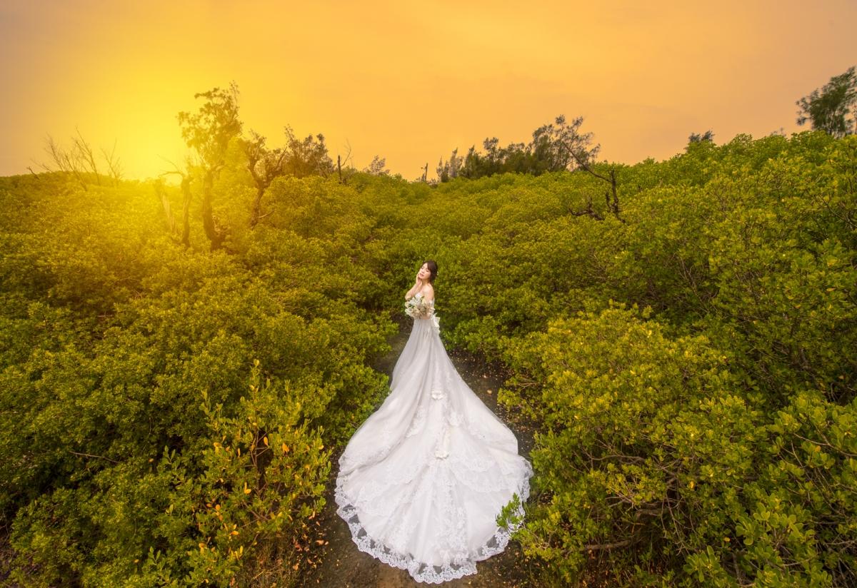 【國內自助婚紗】 嘿皮爸 x 白色婚禮手工婚紗 x 咩 x 顧漫 下大雨還是要熱情拍婚紗