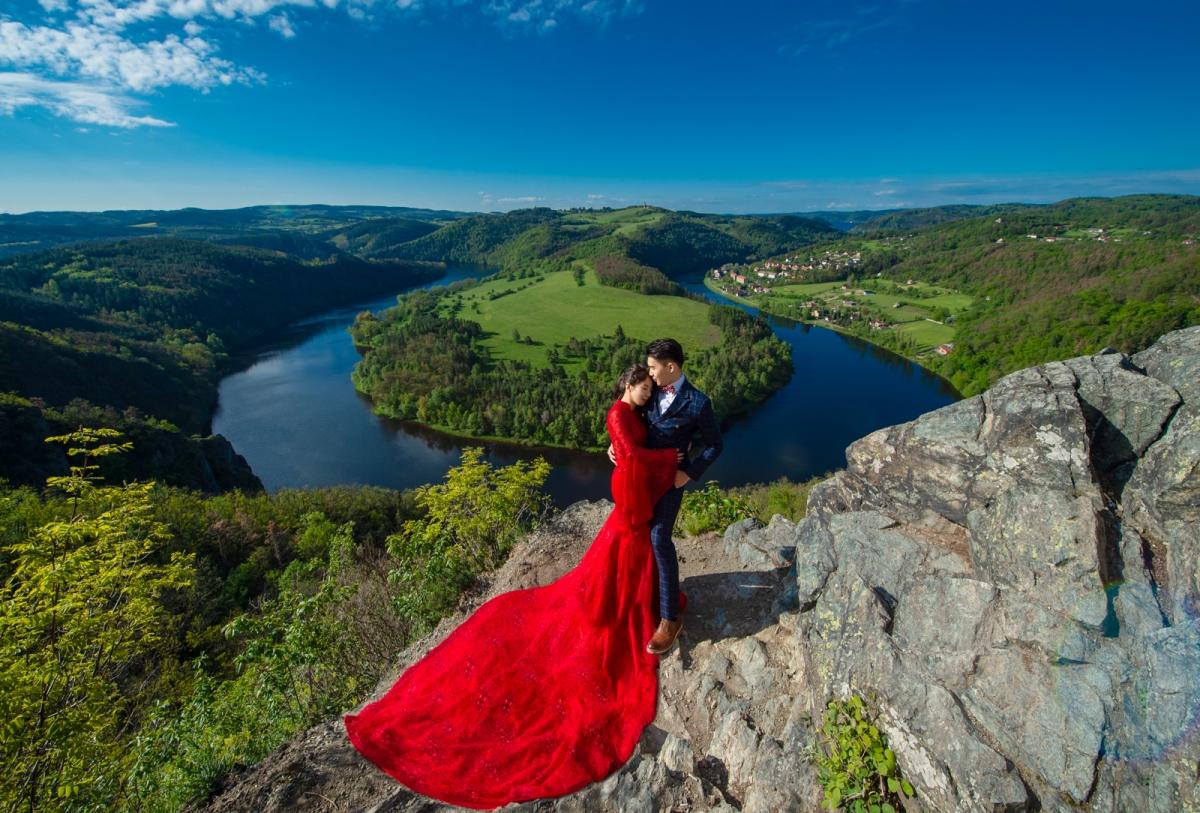 [海外婚紗搶先看-捷克Czech] 在捷克遇見伏爾塔瓦河美麗馬蹄灣/CB小鎮最美的白色城堡Hluboka Castle