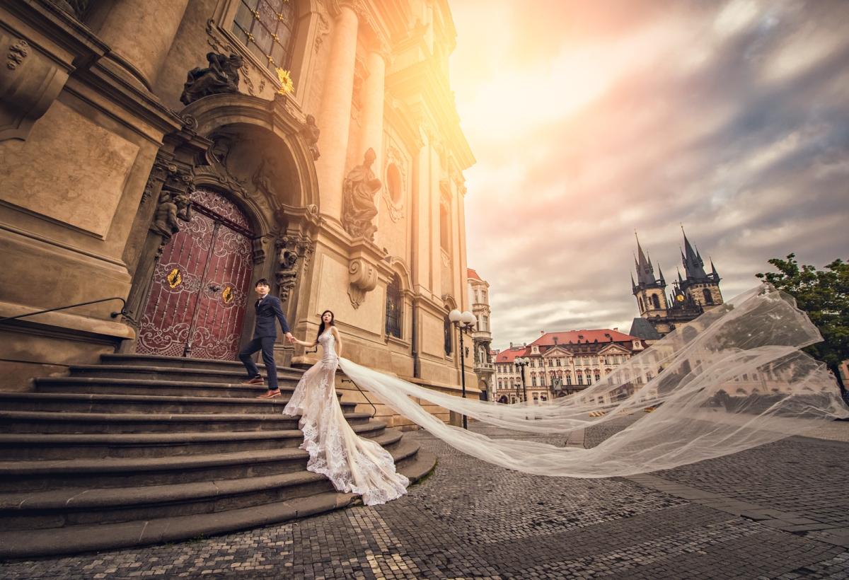 [海外婚紗搶先看-捷克Czech 布拉格] 捷克 不可思議的布拉格 充滿藝術與文藝氣息的城市 嘿皮爸 x Emily團隊造型-姿姿 x Whitedding白色婚禮婚紗